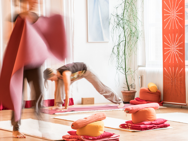 yis yoga institut saarbr cken startseite. Black Bedroom Furniture Sets. Home Design Ideas